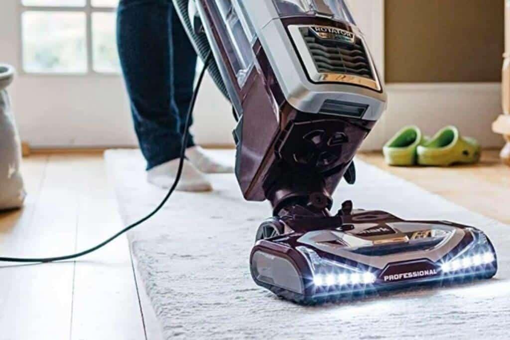Shark Rotator Powered Lift-Away TruePet Upright corded Bagless Vacuum