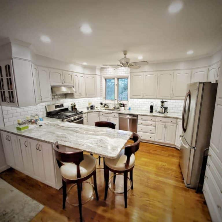 how to prime kitchen cabinets